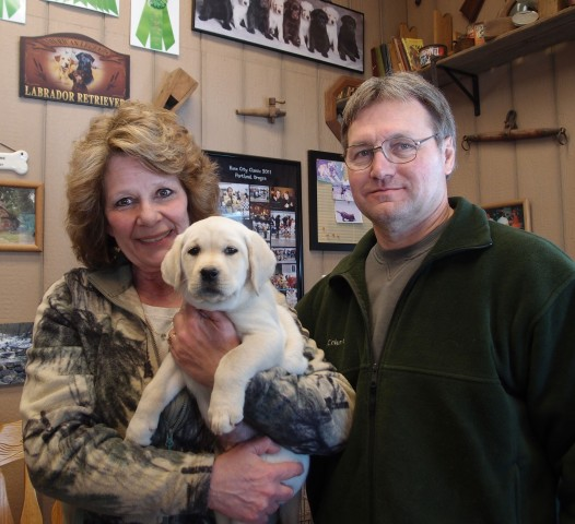 Kim and Dave with their 2nd Rushwind Puppy.  Brody heads home to meet Maui